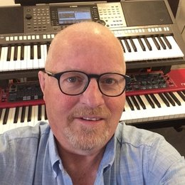 Ervaren toetsenist/Producer geeft les: Piano, Keyboard, Computermuziek, Improvisatie, Band-coaching in Nijmegen e.o.