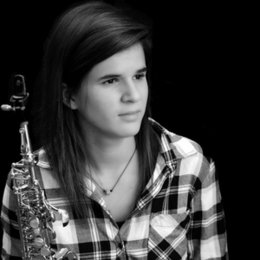 Master's student at the Prince Claus Conservatory in Groningen. Saxophone, harmony and piano.