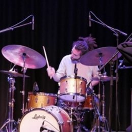 Muziekles, Drum lessons, Music lessons, Drumles voor Iemand/all ages Rotterdam area