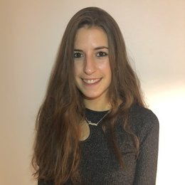 I am a native Spanish student girl that like to share my knowledge by teaching.