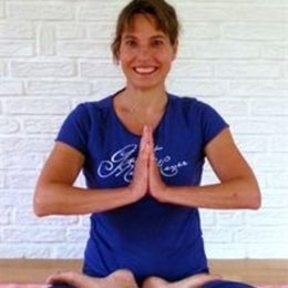 YOGA - Take a break - Relax body and mind - Geregistreerd yogadocente VYN -