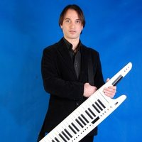 I teach piano/keyboards/sing. Latin, Pop, Latin jazz. Areas around The Hague, Amsterdam, Rotterdam, etc